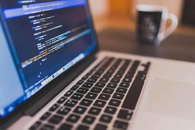 coding-924920_640 (2)